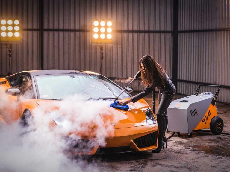 Professionele Dampfreinigung-Fortador Lamborghini Außenreinigung